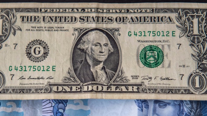 New York foreign exchange market – USD back down from one month high despite strong economic data